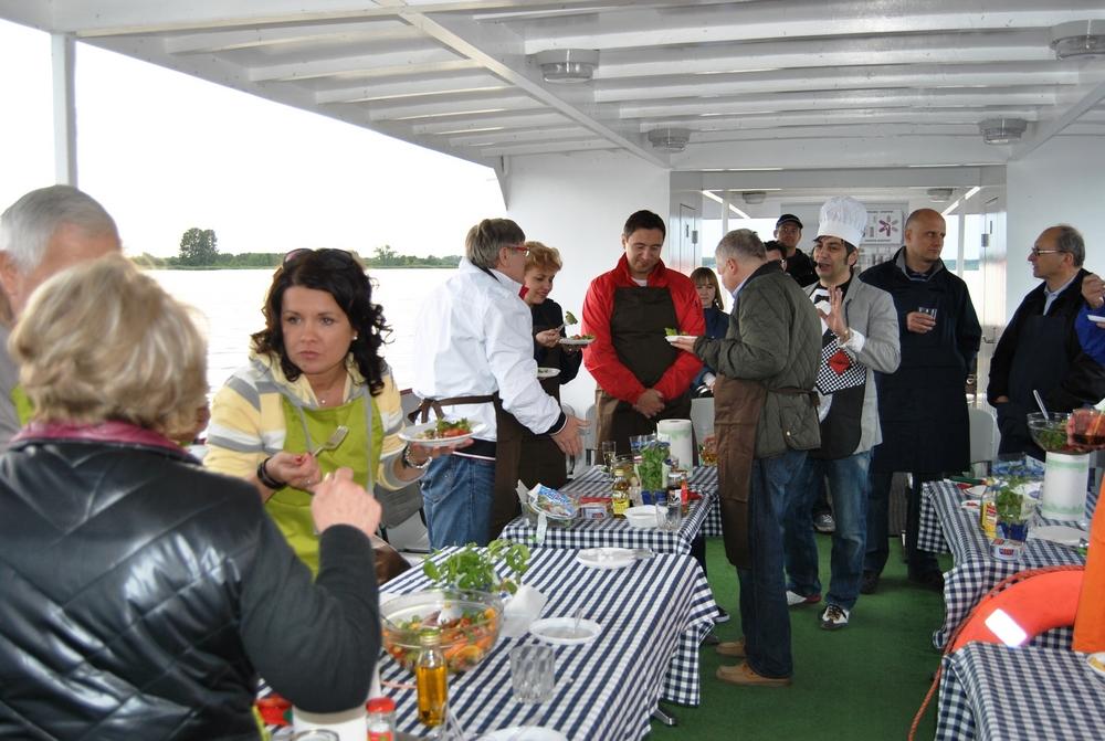 Warsztaty gotowania na Zalewie Zegrzyńskim (7)